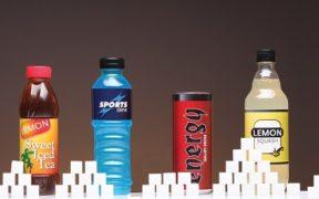 السكريات السائلة هي الأسوأ في أنظمة الغذاء لكن لماذا؟