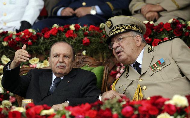 الرئيس بوتفليقة وقائد الجيش أحمد صالح