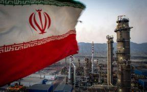 الولايات المتحدة ستعاقب الدول التي تتعامل مع إيران بالغرامات المالية