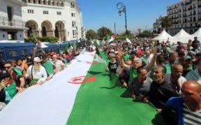 الثورة في الجزائر